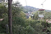阿庐古洞出口的缆车