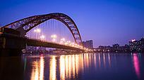 夜色中的晴川桥