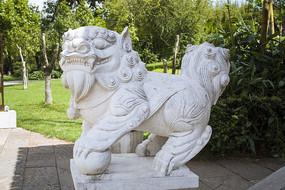 白色大理石石狮