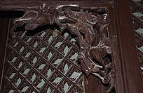 残缺的龙纹木雕-边角雕刻装饰