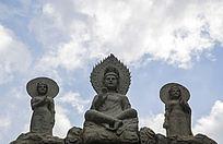 千山大佛寺龙华门弥勒佛像与蓝天