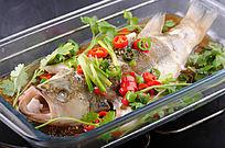 青椒鲈鱼摄影图片
