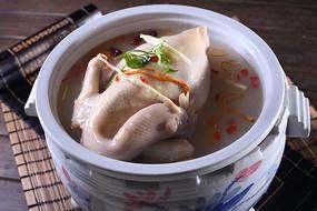 松茸菌炖鸡汤