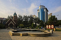 城市休闲广场及楼房