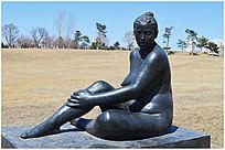 沐浴阳光雕塑