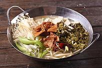 锅仔雪里蕻炖豆腐