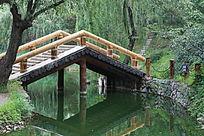 园林景观小桥和山路