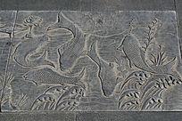 石刻鲤鱼荷花