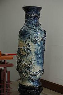 浮雕大花瓶