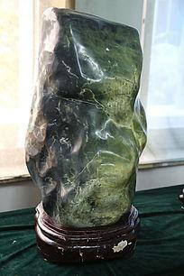 墨绿渐变奇石