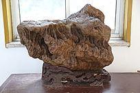 牛头褐色奇石
