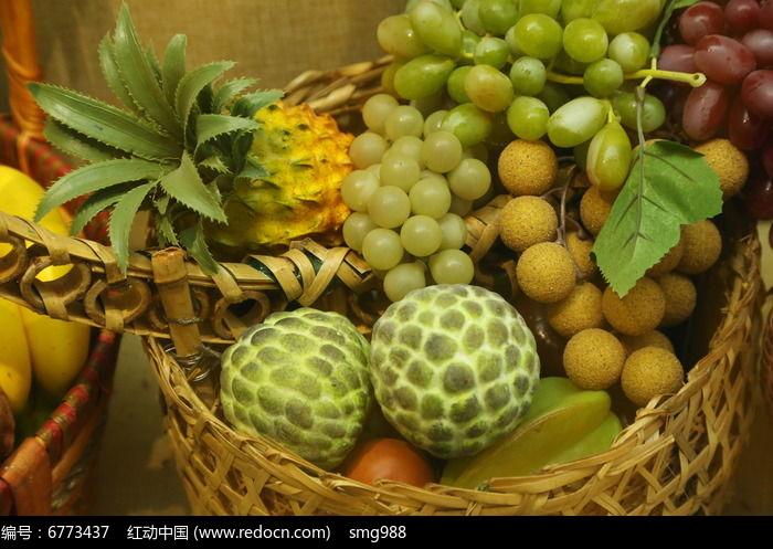 葡萄龙眼菠萝水果篮图片