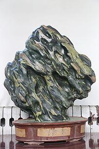 溶洞状奇石