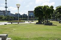 茂名市园林大草坪广场风光