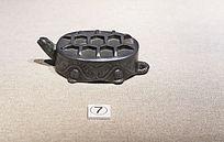 錾水浪纹铸型八卦寿龟倒流壶