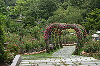 婚礼场景花圈现场布置风景图片