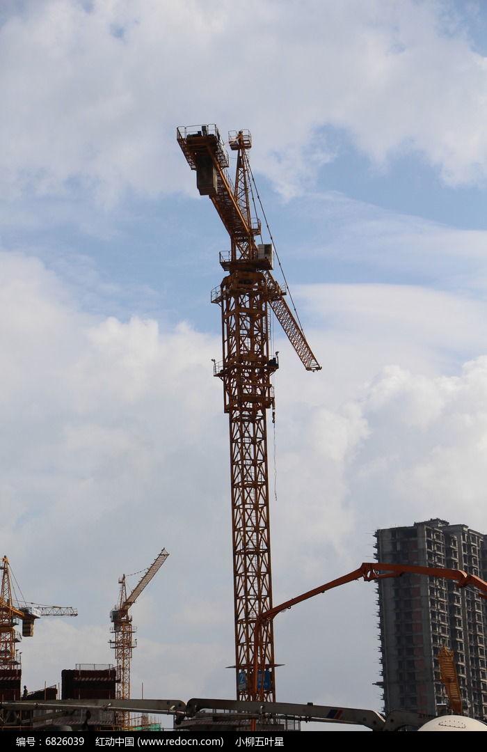建筑吊塔图片