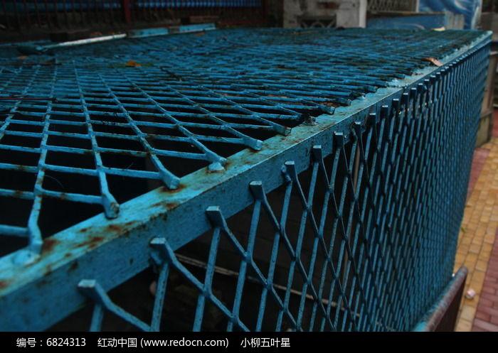 大铁笼子图片
