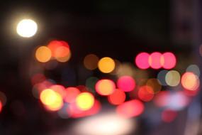 红色霓虹光斑