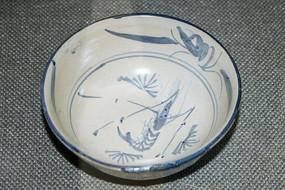 蓝色虾图案的茶碗