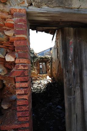 六鳌古镇废弃的房子