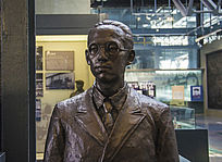 鞍钢展览馆雕塑劳动模范毛鹤年蜡像