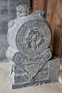 雕麒麟狮子图案门墩