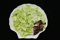 家常菜手撕包菜炒腊肉