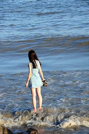 看海的少女