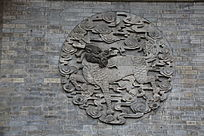 麒麟祥云图案砖雕