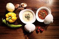 奶油蘑菇土豆汤和匈牙利牛肉汤