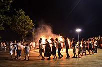 篝火活动照片