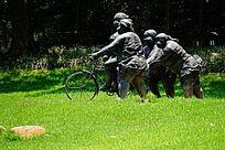 肥妞骑单车雕像