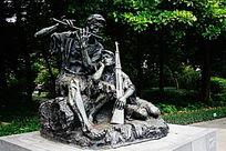 老红军雕像