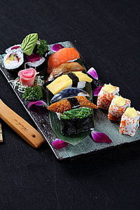 寿司大拼盘右视图
