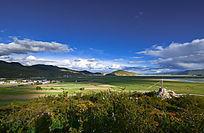 纳帕海与依拉草原风景