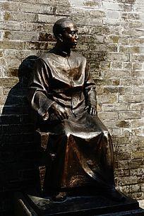 革命人物雕像