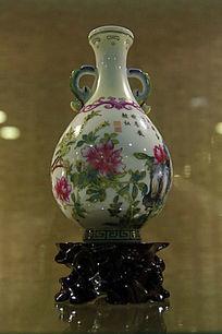 粉彩双耳花瓶