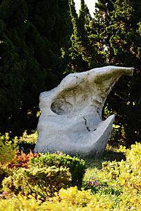 角形太湖石