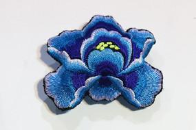 苗族刺绣蓝色花朵