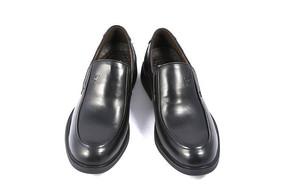 黑色的男士牛皮鞋