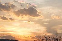一片金色的夕阳