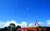 蓝天白云迪士尼乐园
