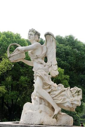 欧洲撒花的女神石雕像