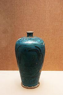元朝磁州窑孔雀绿釉人物纹梅瓶