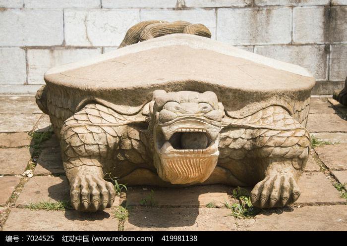 巨大的乌龟雕塑图片