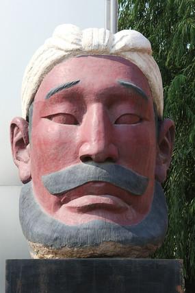 陕北农民扎头巾正面雕像