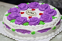紫色梦幻奶油蛋糕