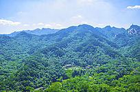 千山灵岩寺与群山山峰山脉