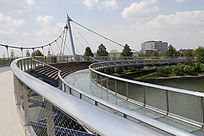 上海迪士尼星愿公园里的奇幻桥
